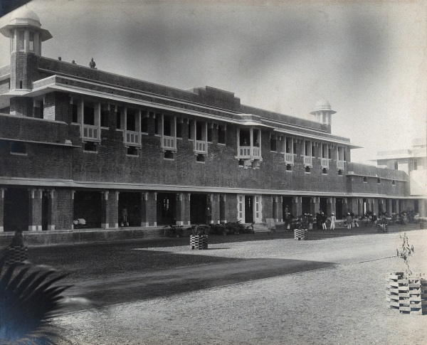 Doris Wallace 1: Lady Hardinge Medical College and Hospital