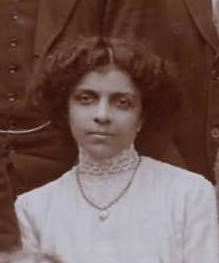 Dossibai Patel, the first female MRCS